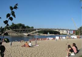 Конец купального сезона: в Киеве можно покупаться на одном пляже