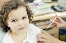 Маленьких киевлян вдоволь обеспечили вакцинами