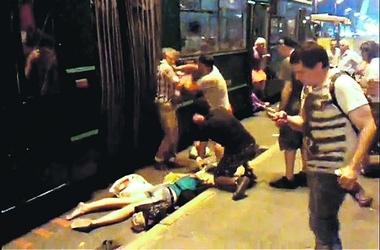 Киевляне побили водителя троллейбуса, по вине которого пострадала пассажирка