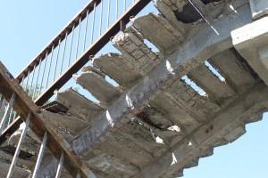 Киевская власть забыла про аварийный переход на ул. Саперно-Слободской