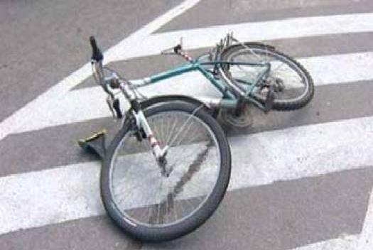 Водитель маршрутки сбил велосипедиста и уехал с места ДТП