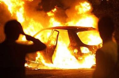 На Борщаговке во время движения загорелась машина