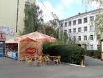 Возле киевской школы снесли пивной ларек
