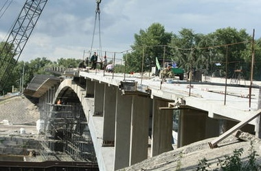 От Венецианского моста в Киеве оставили только арки