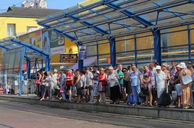 В Киеве сошел с рельсов трамвай