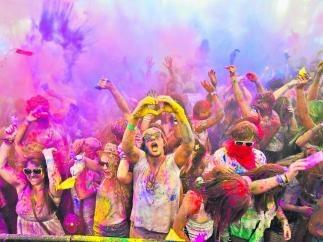 В Киеве в субботу будут бросаться сыпучей краской