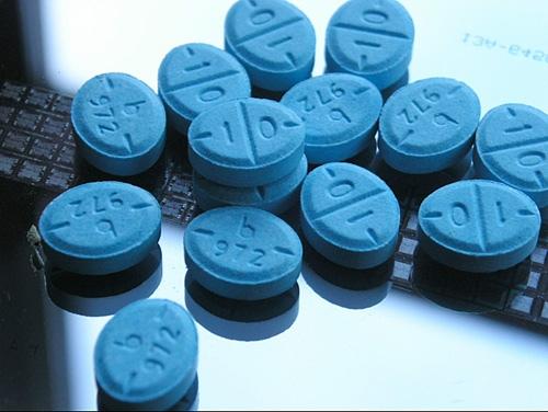 Милиционеры сбывали амфетамин в обмен на интересующую их информацию