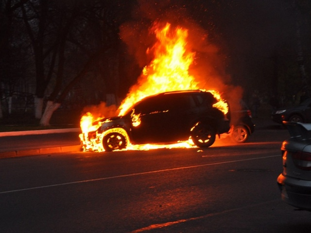 Суд лишил свободы киевлянина за поджог автомобилей