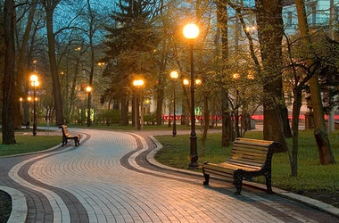 В Киеве обновляют парковые территории