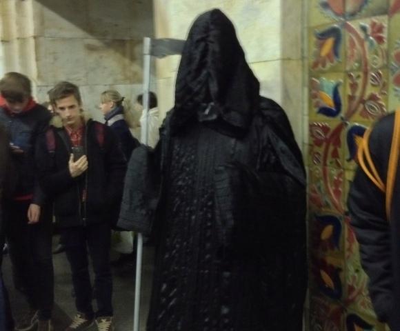 В киевском метро гуляла Смерть