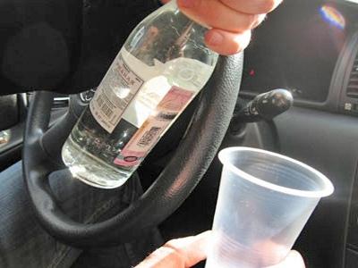 Водитель маршрутки решил заправить себя перед тем, как сесть за руль