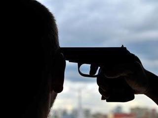 В киевском магазине оружия застрелился мужчина
