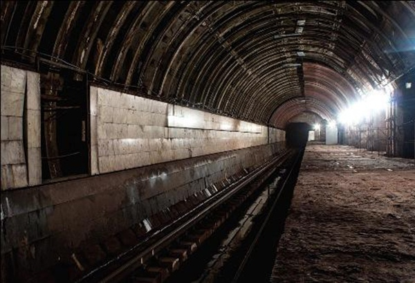 """Власти обещают достроить станцию """"Львовская брама"""""""