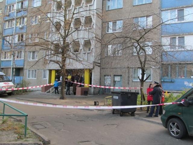 В Киеве женщина выбросила мертвого новорожденного в мусорный контейнер