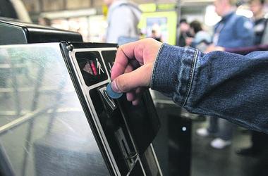 В метро поменяют жетоны