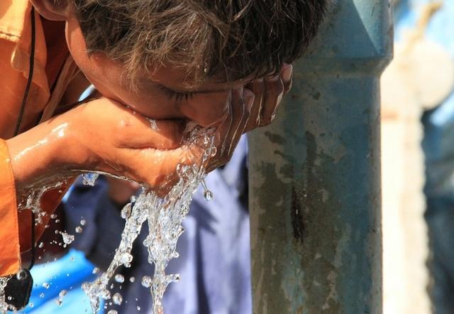 Киевляне могут начать пить воду с бактериями