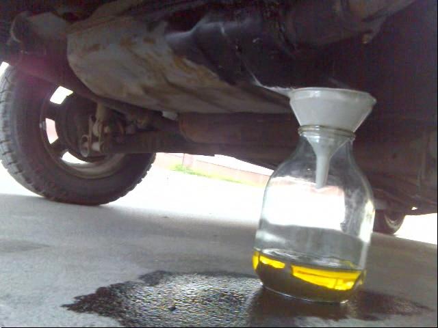 На Киевщине милиция выяснила, куда по ночам пропадал бензин с грузовиков
