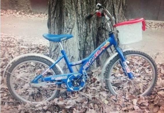 В Киеве мужчина украл у ребенка детский велосипед