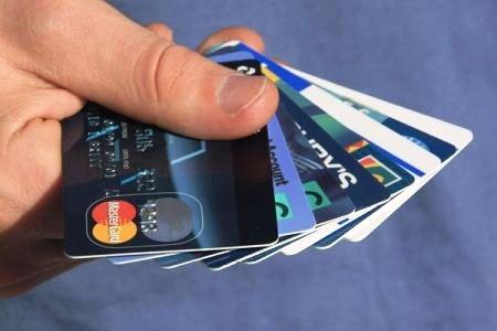 Как выбрать и заказать кредитную карту в Киеве?