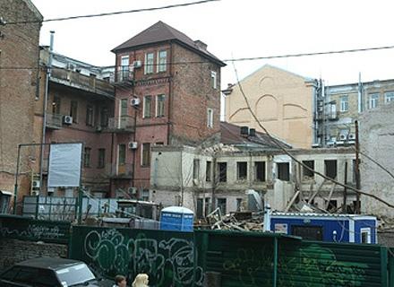 Суд разрешил строить в Десятинном переулке