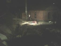 На Подоле мужчину убило бетонным забором