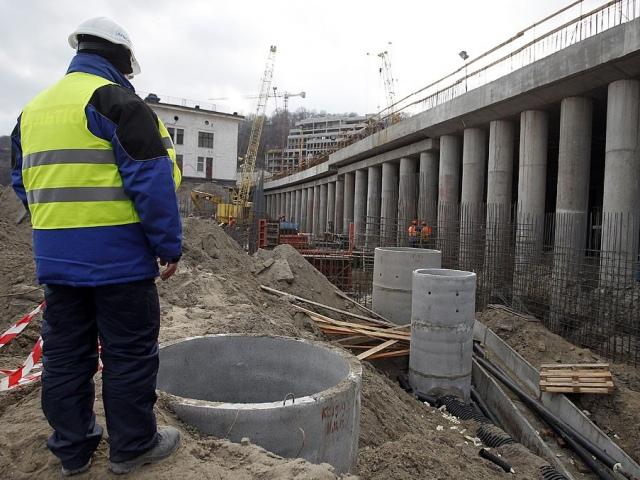 Попов требует, чтобы вторая часть тоннеля на Почтовой площади была сдана до конца года