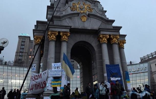 На Майдане умер пожилой мужчина