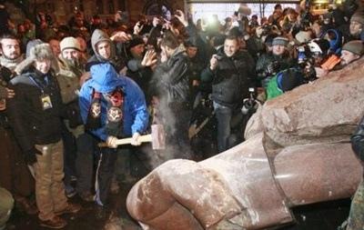В Киеве может появиться новый памятник Ленину - деньги уже собирают