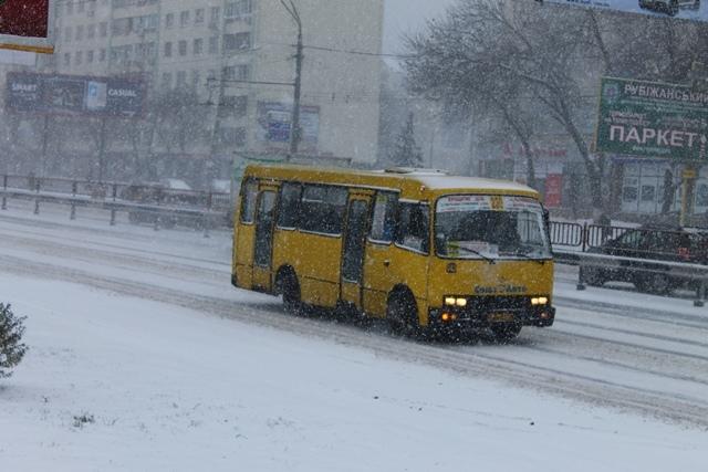 Киевляне пишут в соцсетях, что в городе нет ни одной снегоуборочной техники