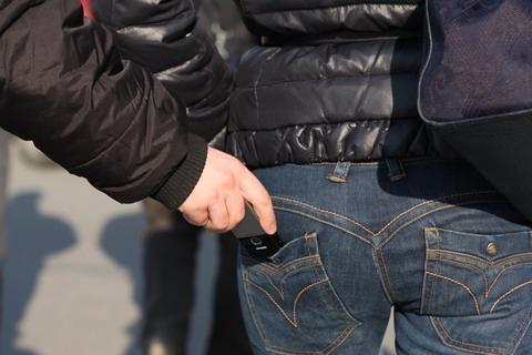 В Киевском метро поймали карманника