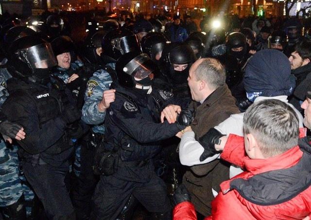 На Майдане отключат электричество?