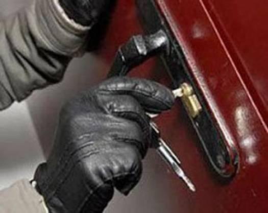 Милиция задержала квартирного грабителя