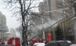 На улице Горького в Киеве 70 человек спасали сауну от пожара