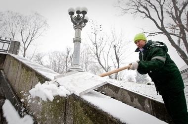 За снег в Киеве уже наказывают
