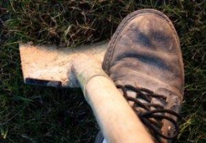 "Под Киевом мужчина убил девушку и ""похоронил"" на кладбище"