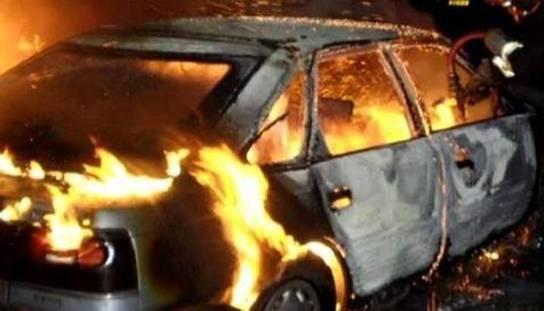 Под Киевом в автомобиле сгорел водитель