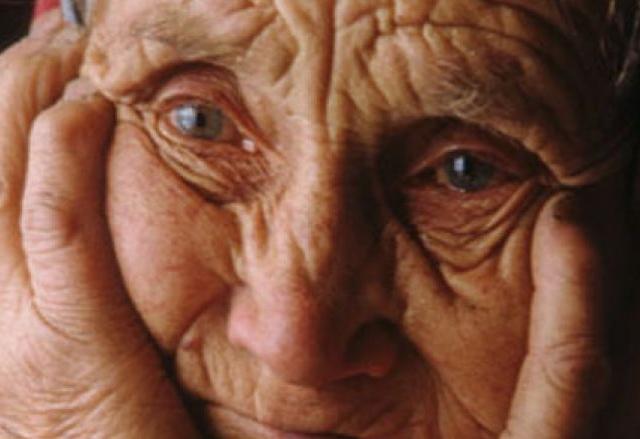 Случайный прохожий помог задержать обидчика пожилой женщины