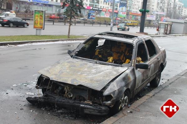 """На проспекте Победы сгорел """"Форд"""" и едва не другие машины"""