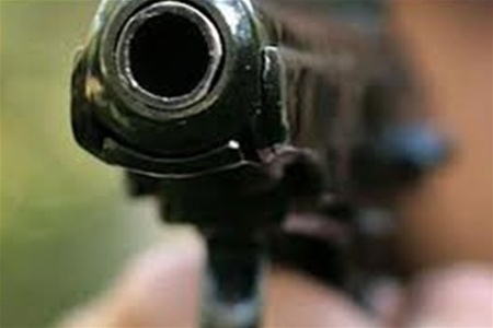 На Подоле неизвестные стреляли в мужчину