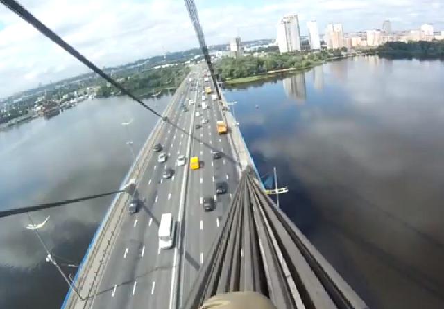 18 января на Московском мосту ограничат движение транспорта