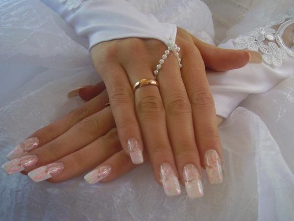 Каким должен быть свадебный маникюр?