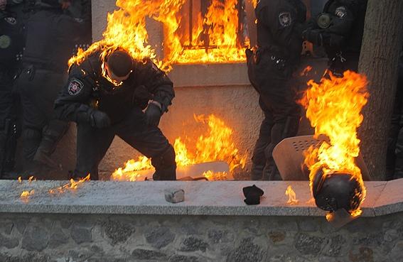 Пострадавших в Киеве милиционеров подлечат на миллион гривен
