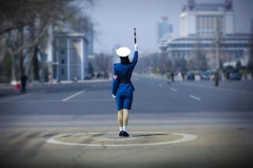 "На Майдане появились ""регулировщики"" с битами"