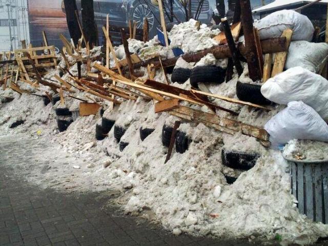 День освобождения Киева: на Майдане начнут разбирать баррикады