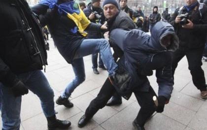 На Майдане действуют преступные группировки - МВД