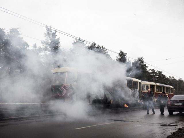 На Воскресенке загорелся трамвай вместе с пассажирами