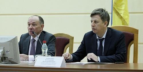 Кто руководит Киевом - Макеенко или Голубченко?