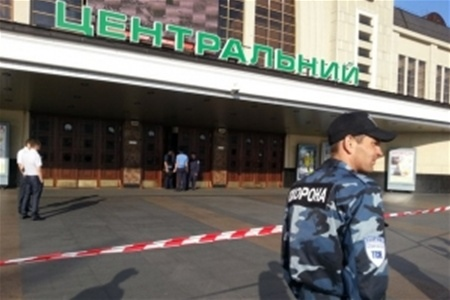 Ночью в Киеве искали бомбу на двух вокзалах