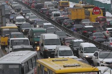 Транспорт в Киеве: на чем добираться домой?