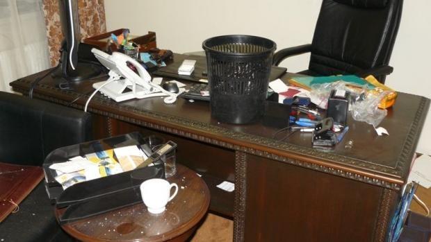 Киевские мародеры разгромили офис на Печерске